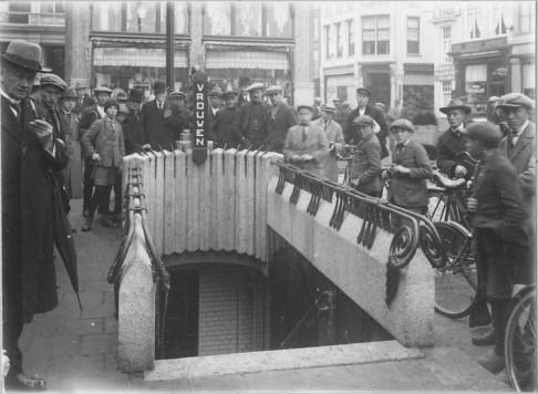 Ondergrondse-toiletinrichting.