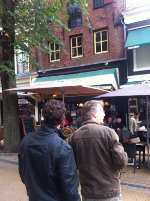 Opdracht bij Café Roezemoes